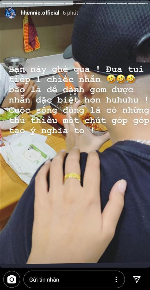 Bạn trai mua vàng gửi H'Hen Niê giữ, có vẻ chẳng mấy mà kết hôn - Ảnh 1