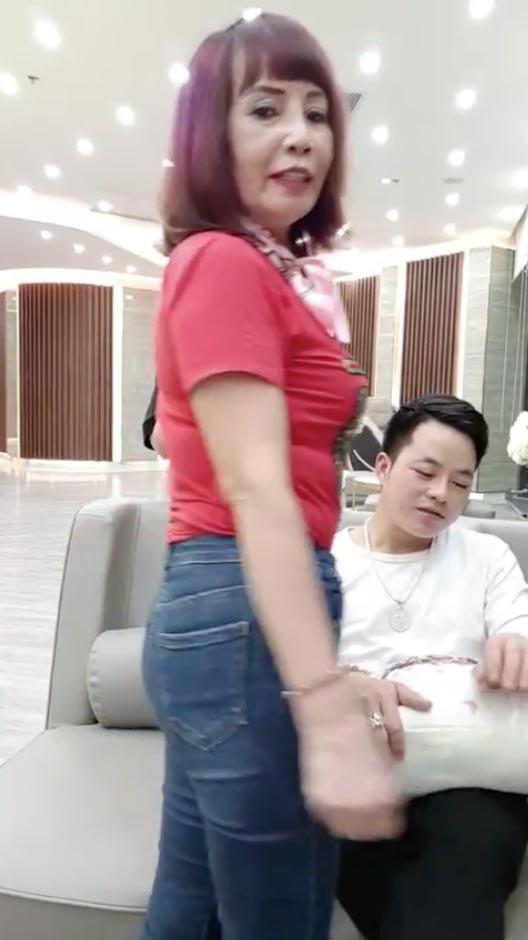 Cô dâu 62 tuổi khoe nhan sắc hậu PTTM, CĐM hỏi có dùng app? - Ảnh 10