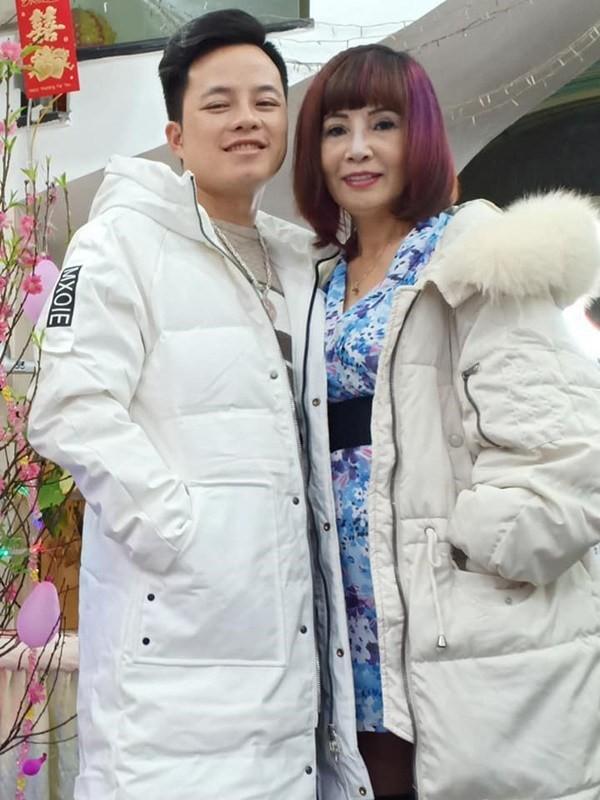 Cô dâu 62 tuổi khoe nhan sắc hậu PTTM, CĐM hỏi có dùng app? - Ảnh 11