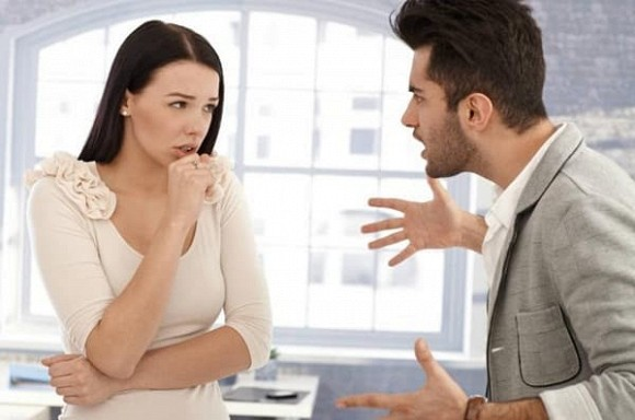 Đã bàn với vợ sẽ không công khai tặng vàng trong đám cưới, thế nhưng nhà gái vẫn nối đuôi nhau lên trao cho cô dâu và cái kết mặn chát - Ảnh 2
