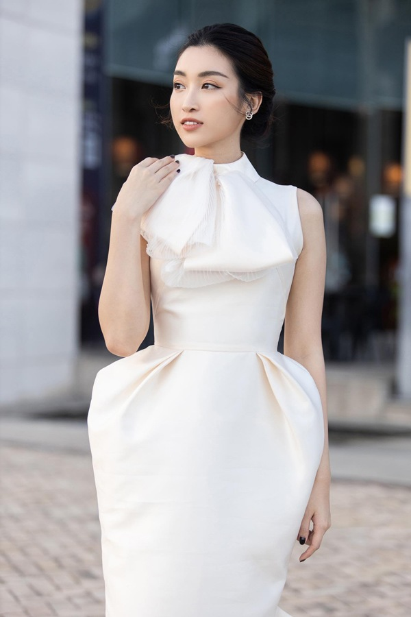 Đỗ Mỹ Linh lần đầu mặc xấu với váy cấu trúc khác lạ, biến body chữ S thành hình vuông - Ảnh 8