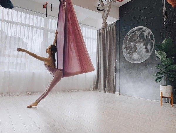Khoe hình tập luyện trên không với body hoàn hảo từng centimet, Quỳnh Nga được khen đẹp như chị Hằng - Ảnh 5
