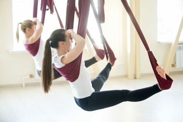 Khoe hình tập luyện trên không với body hoàn hảo từng centimet, Quỳnh Nga được khen đẹp như chị Hằng - Ảnh 8