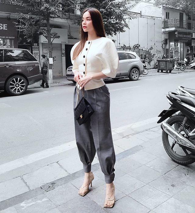 Giao mùa, Minh Hằng - Thanh Hằng rủ nhau độn vai với mẫu áo tay phồng khổng lồ - Ảnh 3