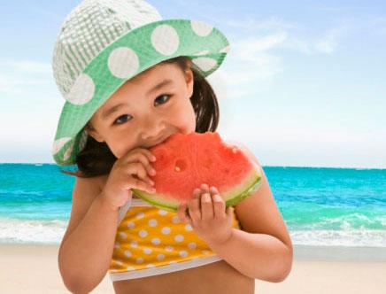 Tác dụng đặc biệt của dưa hấu với sức khỏe trẻ em - Ảnh 1