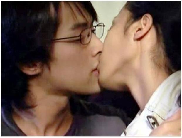 Nụ hôn đầu của các mỹ nam trên màn ảnh Hoa ngữ: Người đỏ cả tai, người hồi hộp đến run chân tay - Ảnh 1