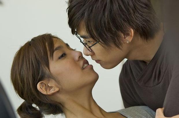 Nụ hôn đầu của các mỹ nam trên màn ảnh Hoa ngữ: Người đỏ cả tai, người hồi hộp đến run chân tay - Ảnh 4