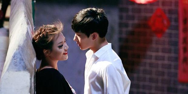 Nụ hôn đầu của các mỹ nam trên màn ảnh Hoa ngữ: Người đỏ cả tai, người hồi hộp đến run chân tay - Ảnh 5