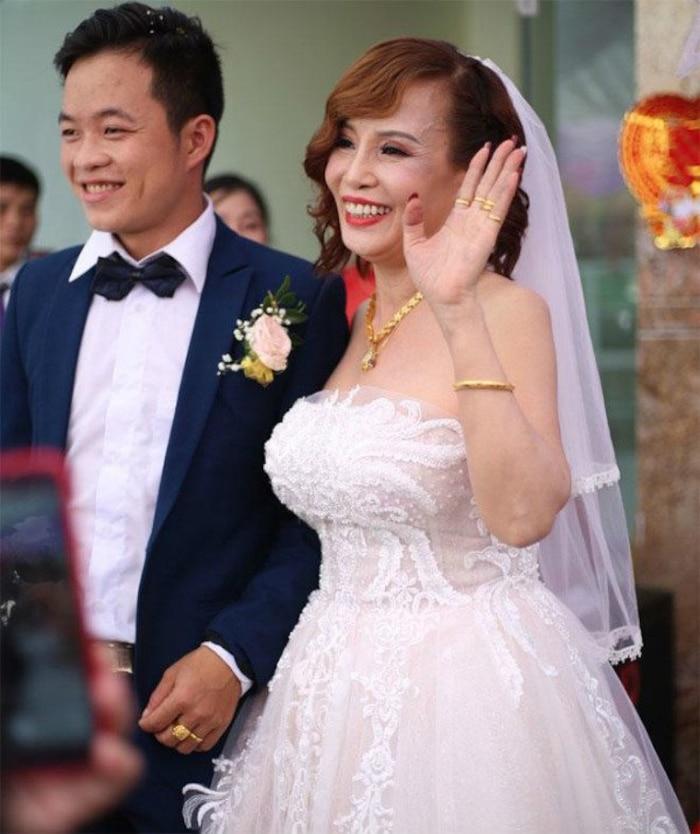 'Cô dâu 62 tuổi' tiếp tục chi 50 triệu đồng để 'tân trang nhan sắc' sau gần một năm 'đại trùng tu' - Ảnh 5