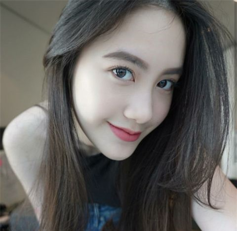 Hot girl người Lào gốc Việt, nhan sắc lên hương sau thời gian ẩn giật - Ảnh 1