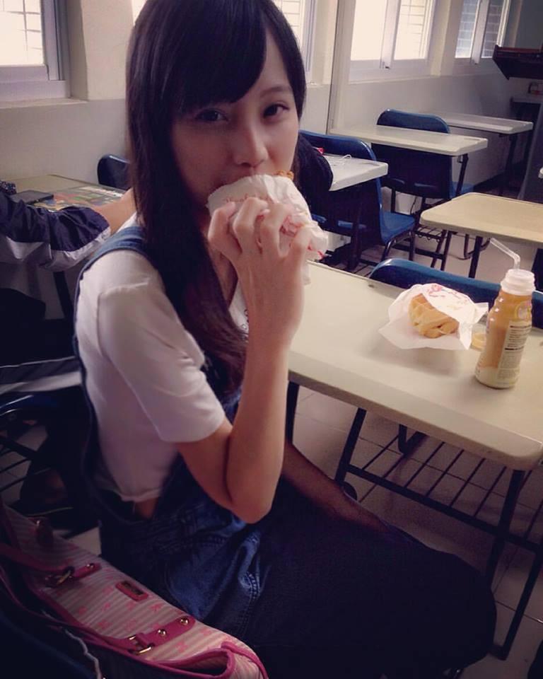 Khoe mặt mộc xinh như tiên tử, hot girl Đài Loan khiến ai nhìn cũng phát mê - Ảnh 1