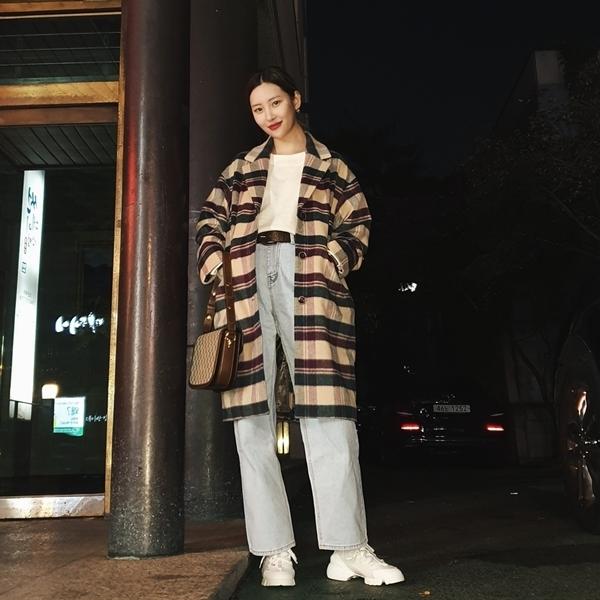 6 nữ idol Kpop có style đậm cảm hứng thời trang thập niên 90 - Ảnh 10