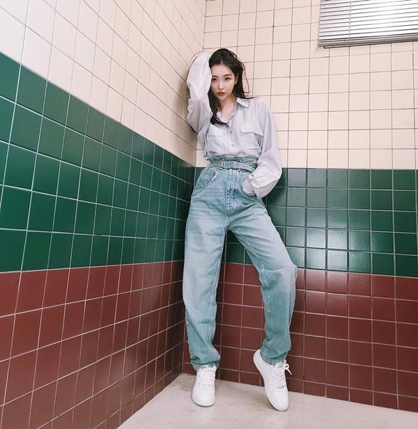 6 nữ idol Kpop có style đậm cảm hứng thời trang thập niên 90 - Ảnh 12