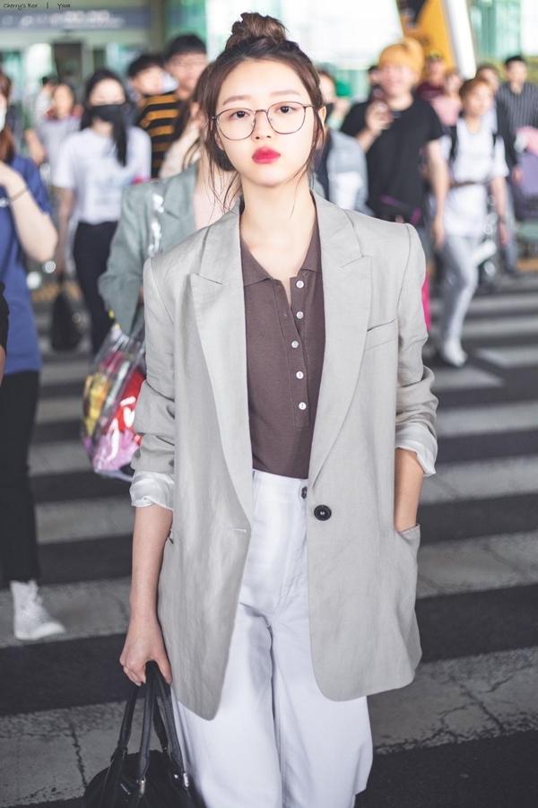 6 nữ idol Kpop có style đậm cảm hứng thời trang thập niên 90 - Ảnh 8
