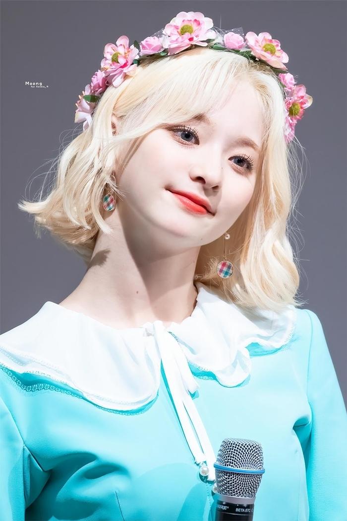 Những idol nữ đội vòng hoa đẹp tựa 'nữ thần' - Ảnh 17