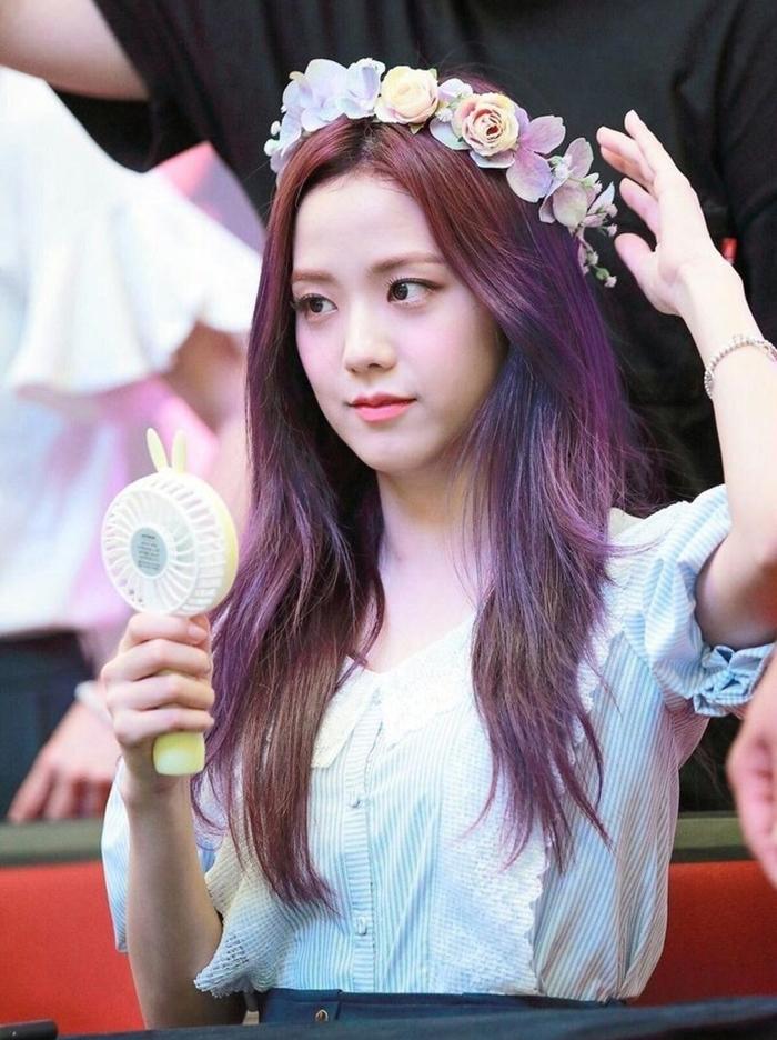 Những idol nữ đội vòng hoa đẹp tựa 'nữ thần' - Ảnh 5