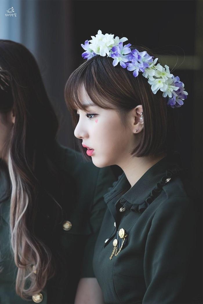 Những idol nữ đội vòng hoa đẹp tựa 'nữ thần' - Ảnh 8