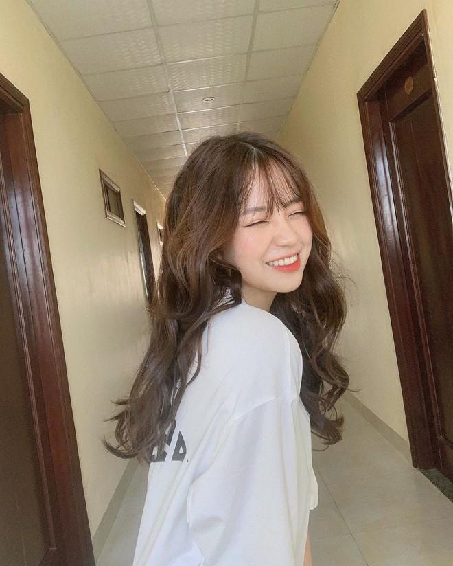 Nụ cười tỏa sáng, hot girl Việt làm điên loạn báo Trung Quốc - Ảnh 5