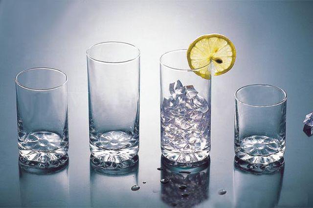 Lưu ý quan trọng khi dùng các loại cốc uống nước, ghi nhớ để không 'đầu độc' mình - Ảnh 4