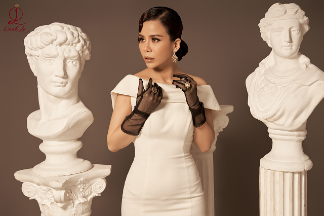 Hoa hậu Oanh Lê tung bộ ảnh đẹp từng centimet nhưng đôi mắt mới là điểm nhấn ấn tượng - Ảnh 2