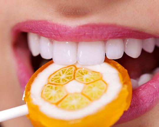 Loại bỏ ngay những thực phẩm này nếu không muốn răng ngày càng vàng và xỉn - Ảnh 1