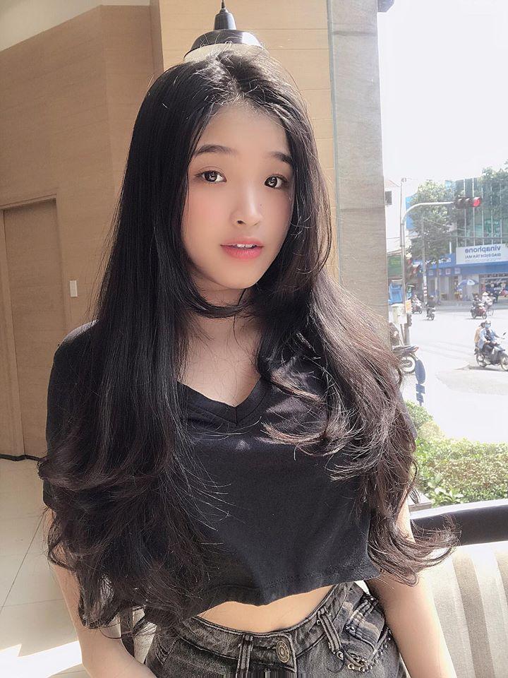 Chiêm ngưỡng nhan sắc tựa 'nữ thần' của hot girl Việt được báo Trung Quốc hết lời ca ngợi - Ảnh 9
