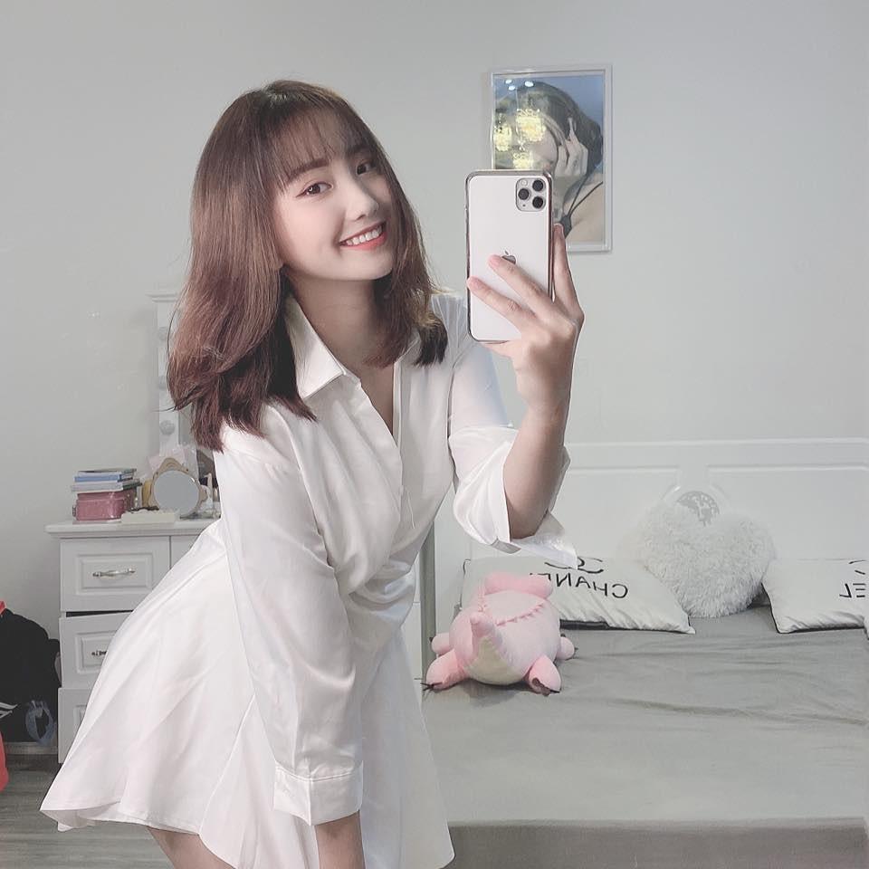 Dàn hot girl Việt 2K4 'làm loạn' Tik Tok bằng loạt tài khoản triệu follow - Ảnh 1