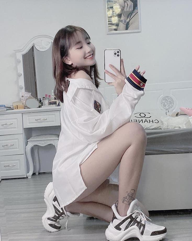Dàn hot girl Việt 2K4 'làm loạn' Tik Tok bằng loạt tài khoản triệu follow - Ảnh 3