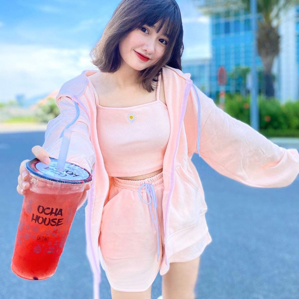 Dàn hot girl Việt 2K4 'làm loạn' Tik Tok bằng loạt tài khoản triệu follow - Ảnh 4