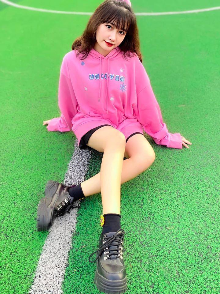 Dàn hot girl Việt 2K4 'làm loạn' Tik Tok bằng loạt tài khoản triệu follow - Ảnh 6