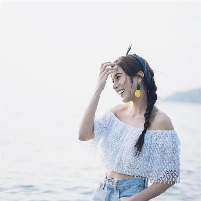Đi biển thì nên 'biến hóa' mái tóc như thế nào cho đẹp? - Ảnh 4