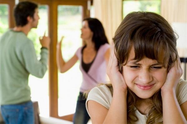 Vợ chồng có hạnh phúc, gia đình yên ấm hay không chỉ cần nhìn đứa con là biết - Ảnh 1