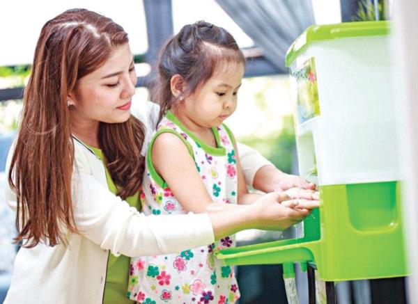 Bí quyết chuyên gia giúp trẻ nhỏ tránh xa dịch bệnh - Ảnh 1