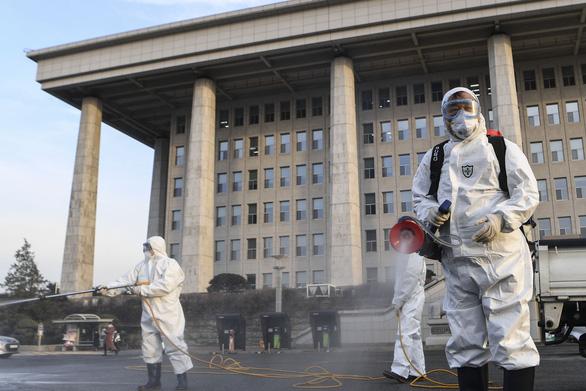 Dịch COVID-19 ngày 26-2: Hàn Quốc tăng lên hơn 1.100 ca nhiễm, Ý 322 ca - Ảnh 2