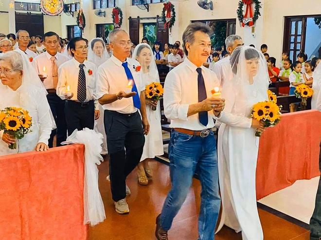 Lễ cưới của danh ca Hương Lan tại nhà thờ - Ảnh 5