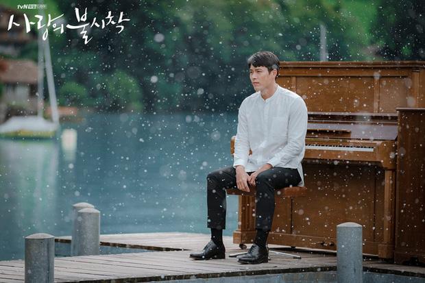 Lộ thêm bằng chứng Hyun Bin 'tình cũ không rủ cũng đến' với bạn gái kém 8 tuổi Kang Sora - Ảnh 3