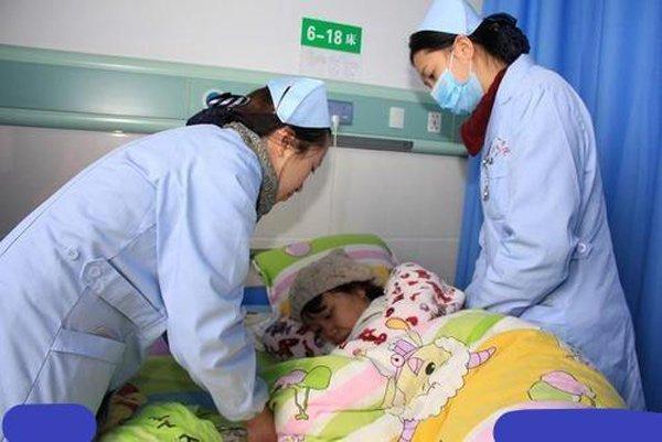 Mẹ đẻ cố 5 lần để có con trai, bác sĩ mổ lắc đầu: 'Tử cung hỏng hết rồi' - Ảnh 2