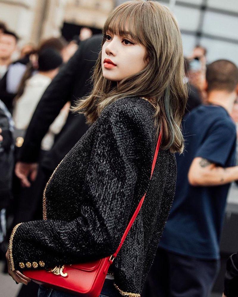 Lisa - từ con ghẻ YG, cởi tất cho Jennie đến nổi tiếng nhất Black Pink - Ảnh 5
