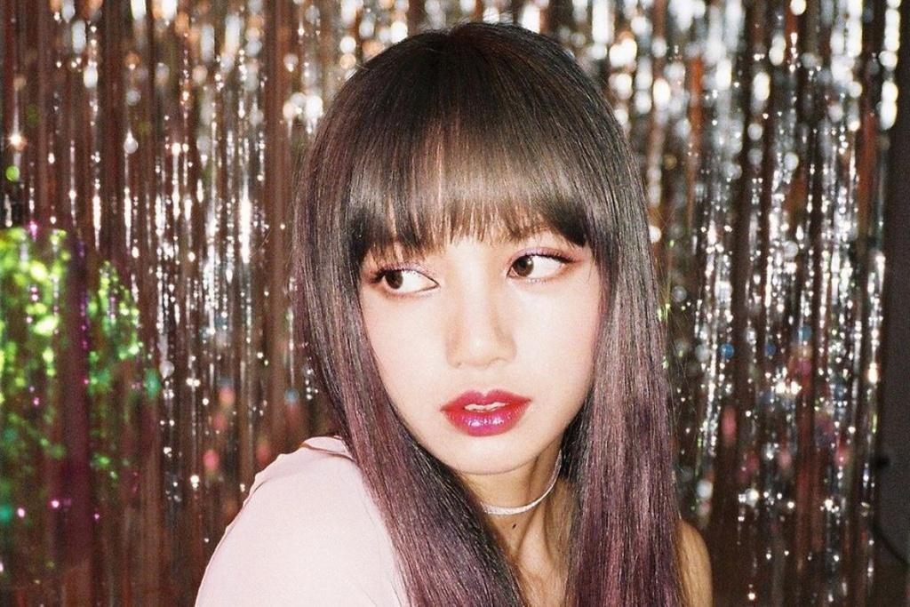 Lisa - từ con ghẻ YG, cởi tất cho Jennie đến nổi tiếng nhất Black Pink - Ảnh 6