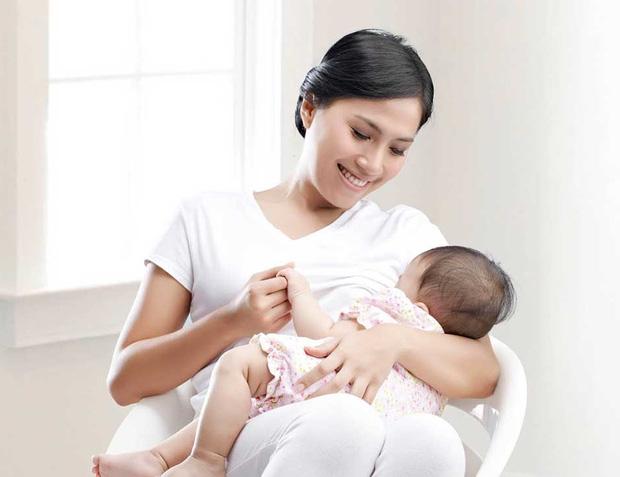 Thưởng tiền hoặc hiện vật cho phụ nữ sinh đủ 2 con trước 35 tuổi ở 21 tỉnh, thành - Ảnh 1