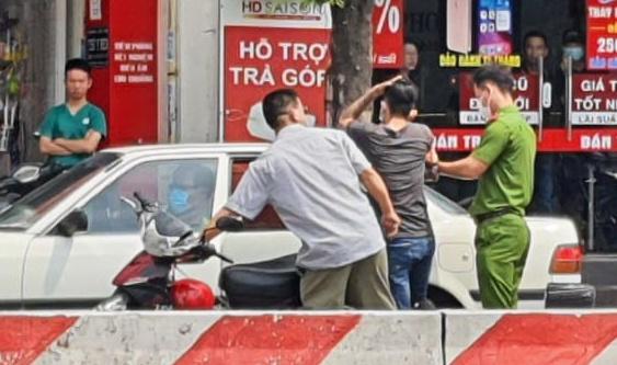 Thực nghiệm vụ cướp giật ở TP.HCM khiến 2 người chết - Ảnh 1