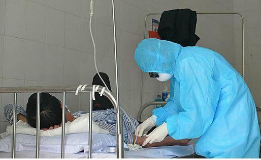 Bệnh nhân 100 đi lễ hơn 60 lần có kết quả âm tính lần 1 với SARS-CoV-2 - Ảnh 1
