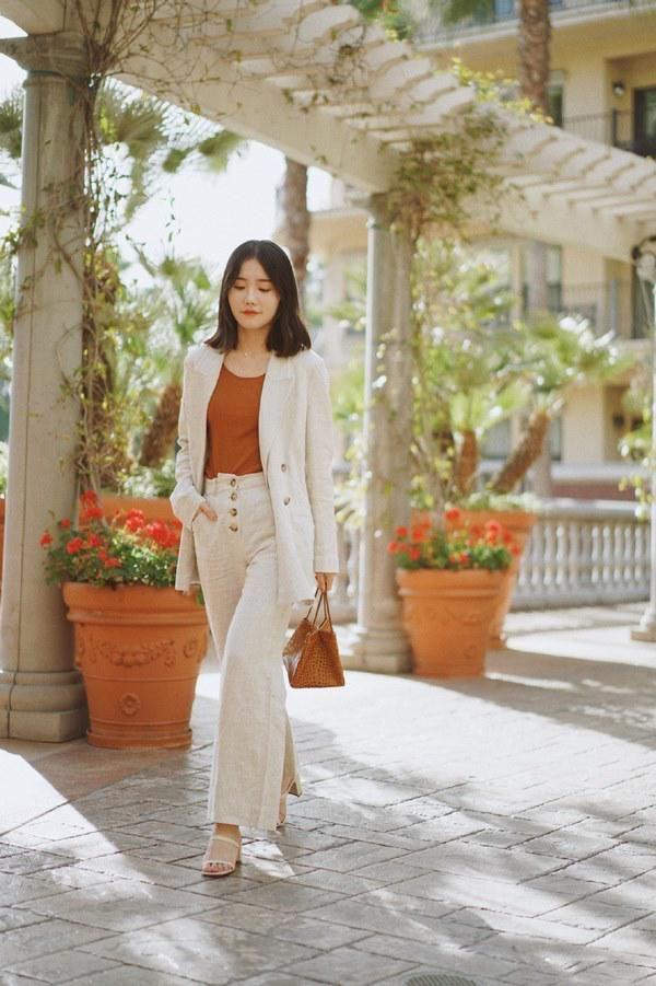 Những kiểu quần dài cứ mặc là đẹp là mát bất chấp nắng nóng thế nào - Ảnh 4