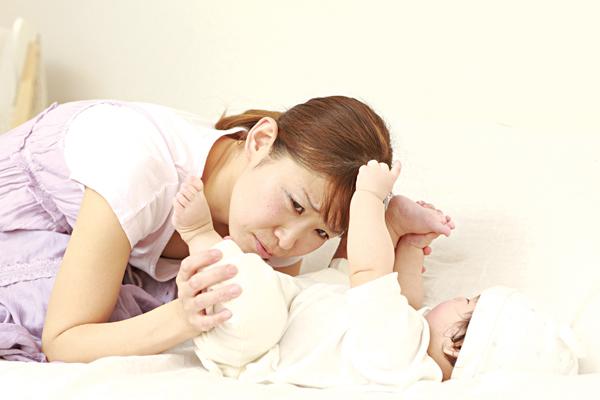 Trẻ tiêu chảy dễ nguy kịch do phụ huynh điều trị sai - Ảnh 1