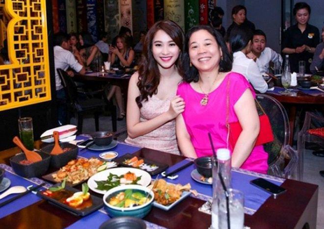 4 đại gia Việt là mẹ chồng của hoa hậu - MC, có người bị tố quá độc đoán - Ảnh 1