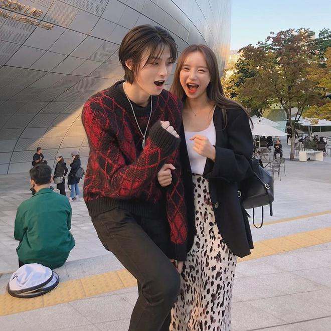 Nhan sắc mờ nhạt của hot girl đình đám xứ Hàn trước khi dao kéo - Ảnh 8