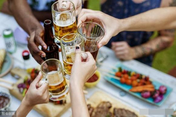 5 hành động sau khi uống rượu có thể 'đánh đổi bằng cả tính mạng' - Ảnh 1