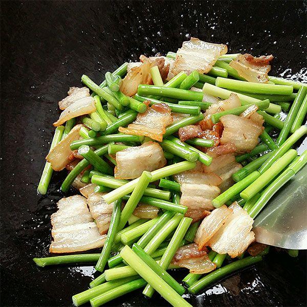 Thịt ba chỉ rang cháy cạnh với loại rau này, người khó tính mấy cũng khen ngon - Ảnh 4