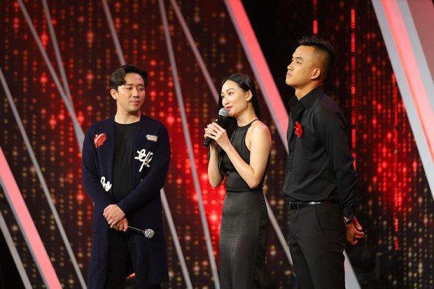 Gameshow Trấn Thành cầm trịch bị chỉ trích, rộ chuyện cặp đôi 'cầu thủ hoa khôi' lừa dối khán giả - Ảnh 1