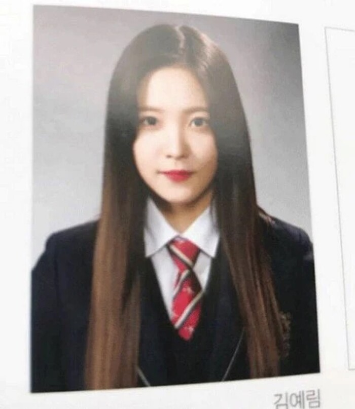 Nhan sắc tự nhiên 'không dao kéo' qua loạt ảnh tốt nghiệp của các nữ thần K-Pop - Ảnh 21